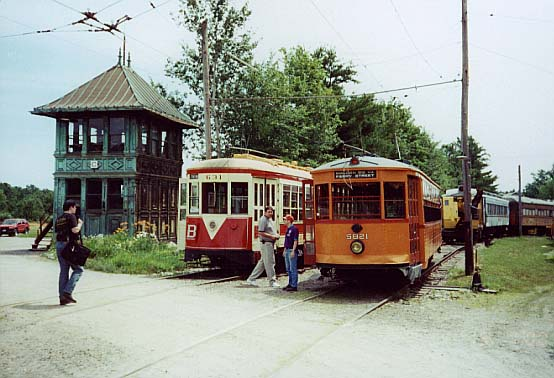 (51k, 554x378)<br><b>Country:</b> United States<br><b>City:</b> Kennebunk, ME<br><b>System:</b> Seashore Trolley Museum <br><b>Photo by:</b> Thurston Clark<br><b>Date:</b> 7/15/2000<br><b>Notes:</b> Boston El Type 5 Car #5821, TARS #631 beside former Boston Keany Square Tower C<br><b>Viewed (this week/total):</b> 3 / 3358
