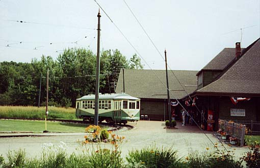 (38k, 510x329)<br><b>Country:</b> United States<br><b>City:</b> Kennebunk, ME<br><b>System:</b> Seashore Trolley Museum <br><b>Car:</b> Dallas Railway & Terminal 434 <br><b>Photo by:</b> Thurston Clark<br><b>Date:</b> 7/15/2000<br><b>Notes:</b> Dallas #434 in former Arlington Heights Loop<br><b>Viewed (this week/total):</b> 1 / 1314