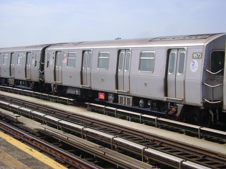 (97k, 768x576)<br><b>Country:</b> United States<br><b>City:</b> New York<br><b>System:</b> New York City Transit<br><b>Line:</b> BMT Culver Line<br><b>Location:</b> Avenue P <br><b>Route:</b> F<br><b>Car:</b> R-160A (Option 1) (Alstom, 2008-2009, 5 car sets)  9573 <br><b>Photo by:</b> John Dooley<br><b>Date:</b> 4/8/2010<br><b>Viewed (this week/total):</b> 0 / 686