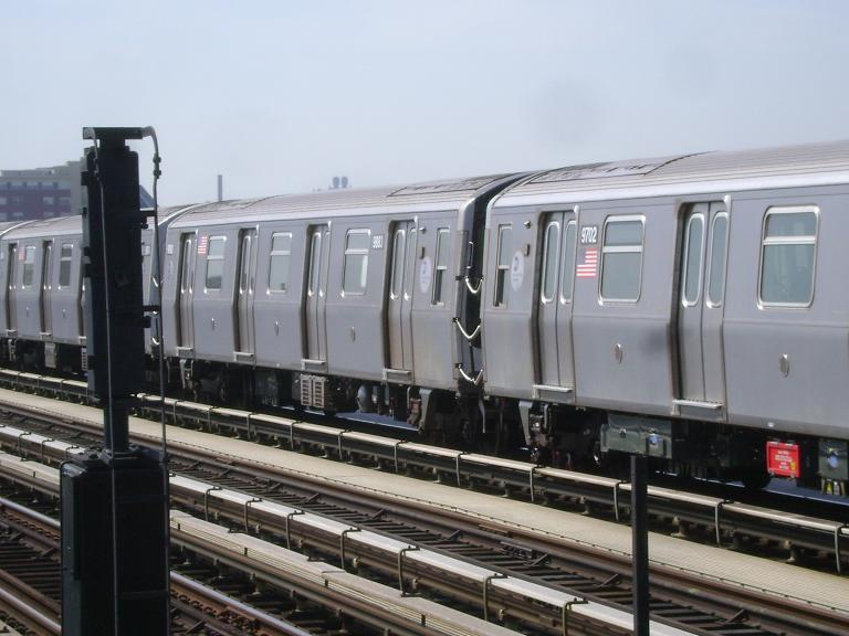 (86k, 768x576)<br><b>Country:</b> United States<br><b>City:</b> New York<br><b>System:</b> New York City Transit<br><b>Line:</b> BMT Culver Line<br><b>Location:</b> Avenue P <br><b>Route:</b> F<br><b>Car:</b> R-160B (Option 2) (Kawasaki, 2009)  9883 <br><b>Photo by:</b> John Dooley<br><b>Date:</b> 4/8/2010<br><b>Viewed (this week/total):</b> 1 / 414