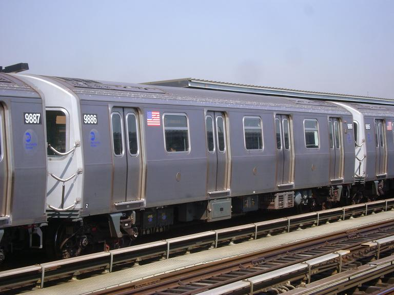 (87k, 768x576)<br><b>Country:</b> United States<br><b>City:</b> New York<br><b>System:</b> New York City Transit<br><b>Line:</b> BMT Culver Line<br><b>Location:</b> Avenue P <br><b>Route:</b> F<br><b>Car:</b> R-160B (Option 2) (Kawasaki, 2009)  9886 <br><b>Photo by:</b> John Dooley<br><b>Date:</b> 4/8/2010<br><b>Viewed (this week/total):</b> 1 / 538