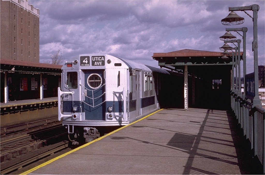 (200k, 1024x676)<br><b>Country:</b> United States<br><b>City:</b> New York<br><b>System:</b> New York City Transit<br><b>Line:</b> IRT Woodlawn Line<br><b>Location:</b> 170th Street <br><b>Route:</b> 4<br><b>Car:</b> R-15 (American Car & Foundry, 1950) 6203 <br><b>Photo by:</b> Joe Testagrose<br><b>Date:</b> 11/21/1970<br><b>Viewed (this week/total):</b> 4 / 2149