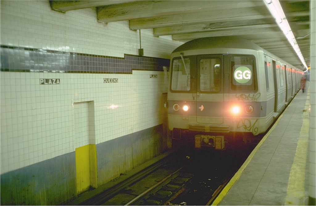 (151k, 1024x670)<br><b>Country:</b> United States<br><b>City:</b> New York<br><b>System:</b> New York City Transit<br><b>Line:</b> IND Queens Boulevard Line<br><b>Location:</b> Queens Plaza <br><b>Route:</b> GG<br><b>Car:</b> R-46 (Pullman-Standard, 1974-75) 634 <br><b>Photo by:</b> Ed McKernan<br><b>Collection of:</b> Joe Testagrose<br><b>Date:</b> 12/5/1976<br><b>Viewed (this week/total):</b> 2 / 5955