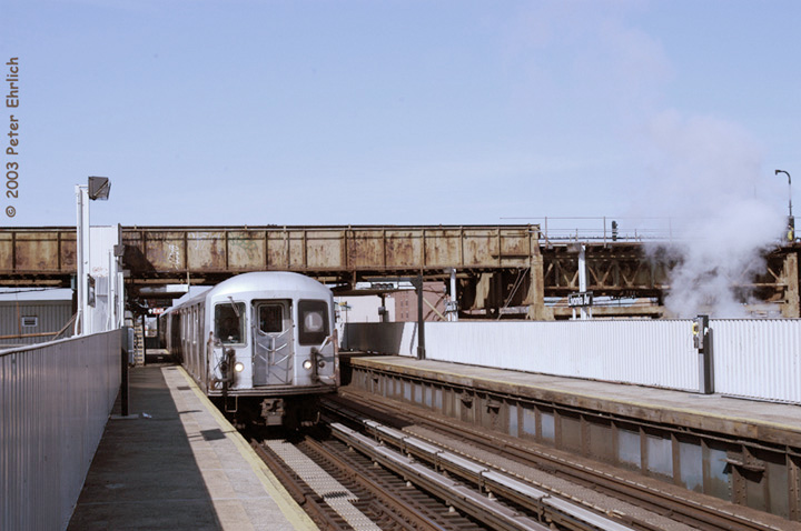 (119k, 720x478)<br><b>Country:</b> United States<br><b>City:</b> New York<br><b>System:</b> New York City Transit<br><b>Line:</b> BMT Canarsie Line<br><b>Location:</b> Livonia Avenue <br><b>Route:</b> L<br><b>Car:</b> R-42 (St. Louis, 1969-1970)  4728 <br><b>Photo by:</b> Peter Ehrlich<br><b>Date:</b> 3/4/2003<br><b>Viewed (this week/total):</b> 2 / 3917