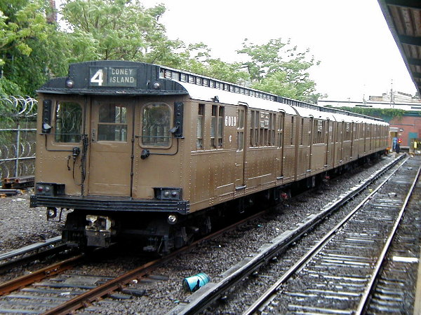 (107k, 600x450)<br><b>Country:</b> United States<br><b>City:</b> New York<br><b>System:</b> New York City Transit<br><b>Location:</b> Rockaway Park Yard<br><b>Route:</b> Fan Trip<br><b>Car:</b> BMT D-Type Triplex 6019 <br><b>Photo by:</b> Trevor Logan<br><b>Date:</b> 6/17/2001<br><b>Viewed (this week/total):</b> 0 / 5574