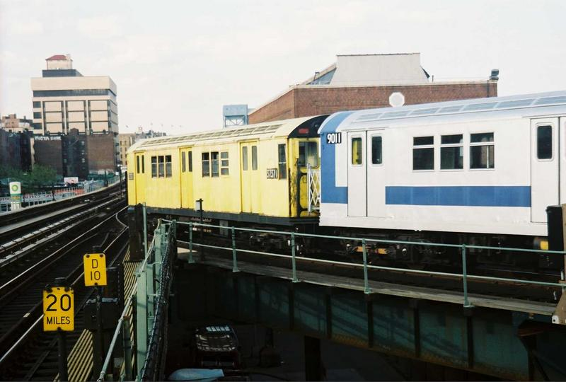 (59k, 800x540)<br><b>Country:</b> United States<br><b>City:</b> New York<br><b>System:</b> New York City Transit<br><b>Location:</b> 207th Street Yard<br><b>Route:</b> Fan Trip<br><b>Car:</b> R-22 (St. Louis, 1957-58) 37371 <br><b>Photo by:</b> Gary Chatterton<br><b>Date:</b> 5/1/2005<br><b>Viewed (this week/total):</b> 4 / 2015