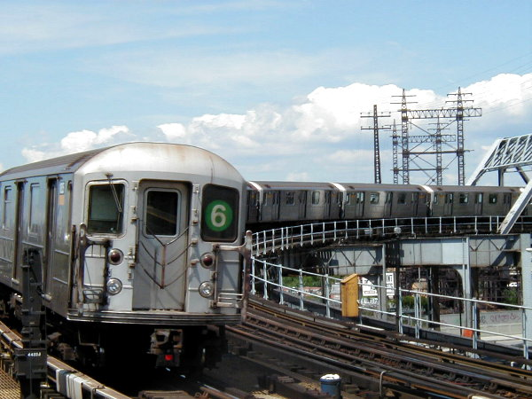 (77k, 600x450)<br><b>Country:</b> United States<br><b>City:</b> New York<br><b>System:</b> New York City Transit<br><b>Line:</b> IRT Pelham Line<br><b>Location:</b> Whitlock Avenue <br><b>Route:</b> 6<br><b>Car:</b> R-62A (Bombardier, 1984-1987)   <br><b>Photo by:</b> Trevor Logan<br><b>Date:</b> 6/27/2001<br><b>Viewed (this week/total):</b> 5 / 8732