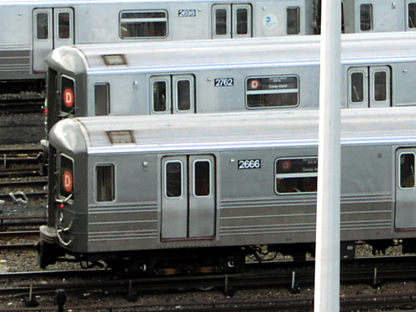 (71k, 600x450)<br><b>Country:</b> United States<br><b>City:</b> New York<br><b>System:</b> New York City Transit<br><b>Location:</b> Concourse Yard<br><b>Car:</b> R-68 (Westinghouse-Amrail, 1986-1988)  2666 <br><b>Photo by:</b> Trevor Logan<br><b>Date:</b> 7/15/2001<br><b>Viewed (this week/total):</b> 1 / 5084