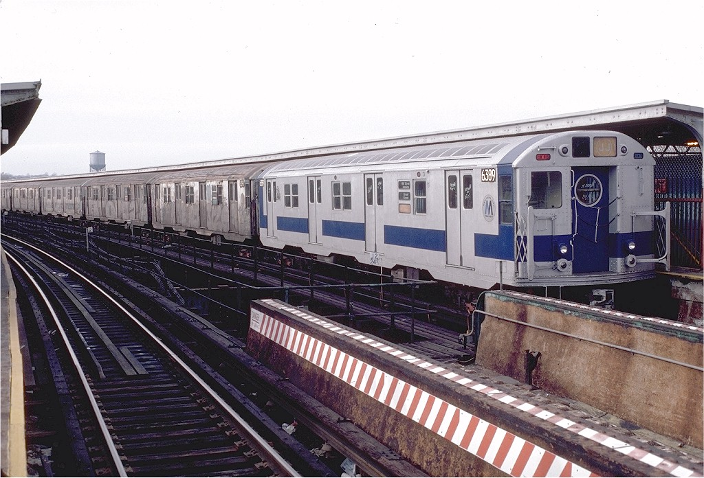 (222k, 1024x696)<br><b>Country:</b> United States<br><b>City:</b> New York<br><b>System:</b> New York City Transit<br><b>Line:</b> BMT Nassau Street/Jamaica Line<br><b>Location:</b> Queens Boulevard (Demolished) <br><b>Route:</b> J<br><b>Car:</b> R-16 (American Car & Foundry, 1955) 6389 <br><b>Photo by:</b> Doug Grotjahn<br><b>Collection of:</b> Joe Testagrose<br><b>Date:</b> 1/30/1983<br><b>Viewed (this week/total):</b> 2 / 6219