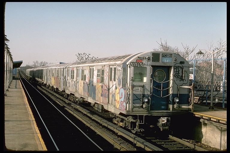 (127k, 768x512)<br><b>Country:</b> United States<br><b>City:</b> New York<br><b>System:</b> New York City Transit<br><b>Line:</b> BMT Canarsie Line<br><b>Location:</b> New Lots Avenue <br><b>Route:</b> LL<br><b>Car:</b> R-16 (American Car & Foundry, 1955) 6462 <br><b>Photo by:</b> Ed McKernan<br><b>Collection of:</b> Joe Testagrose<br><b>Date:</b> 3/21/1977<br><b>Viewed (this week/total):</b> 0 / 4348