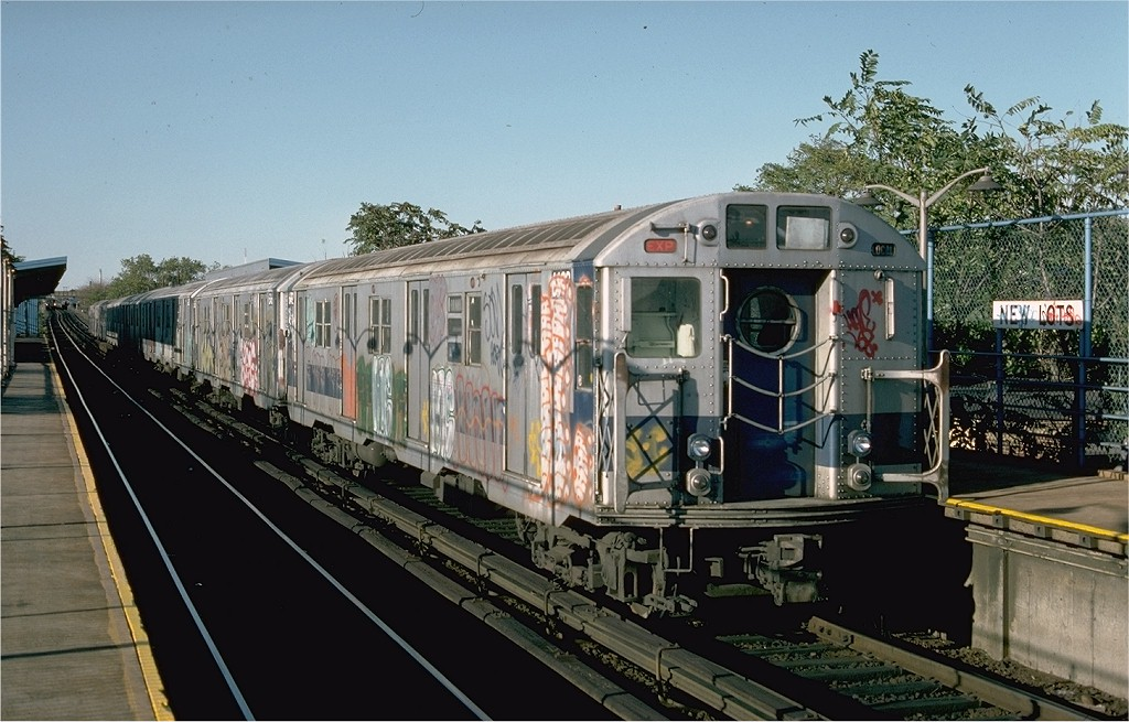 (203k, 1024x655)<br><b>Country:</b> United States<br><b>City:</b> New York<br><b>System:</b> New York City Transit<br><b>Line:</b> BMT Canarsie Line<br><b>Location:</b> New Lots Avenue <br><b>Route:</b> LL<br><b>Car:</b> R-16 (American Car & Foundry, 1955) 6492 <br><b>Photo by:</b> Ed McKernan<br><b>Collection of:</b> Joe Testagrose<br><b>Date:</b> 10/18/1976<br><b>Viewed (this week/total):</b> 4 / 3095
