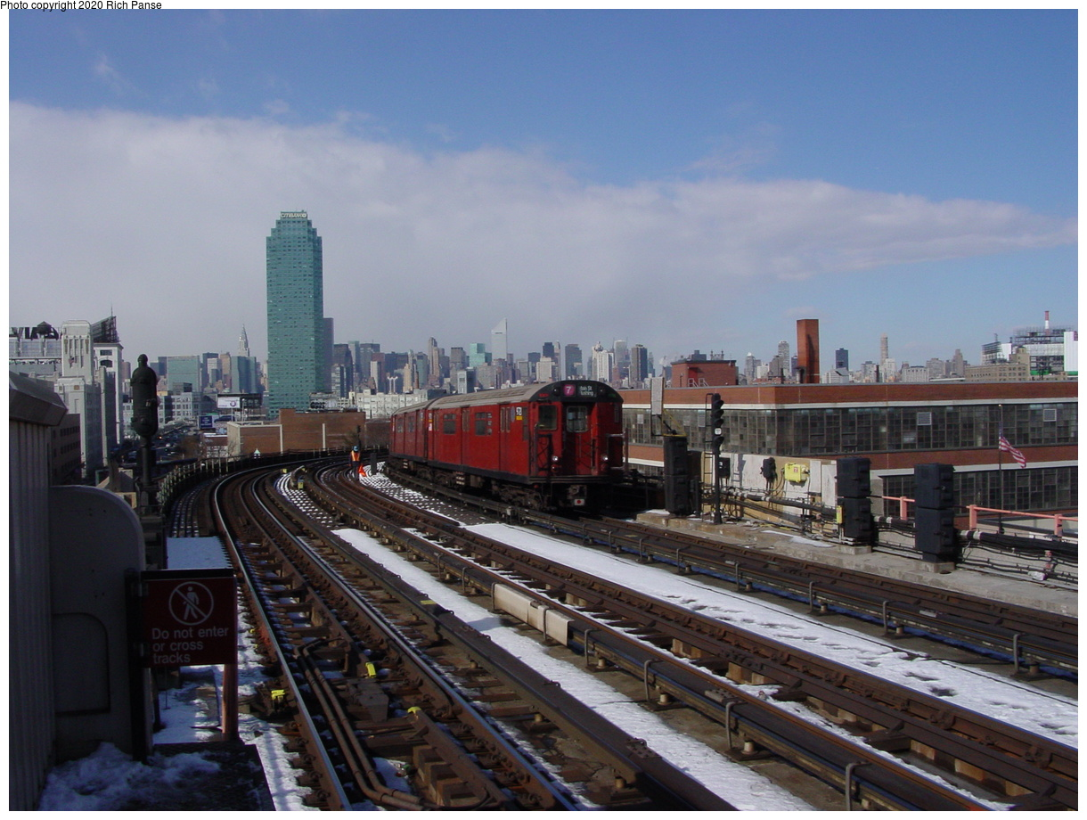(75k, 820x620)<br><b>Country:</b> United States<br><b>City:</b> New York<br><b>System:</b> New York City Transit<br><b>Line:</b> IRT Flushing Line<br><b>Location:</b> 33rd Street/Rawson Street <br><b>Route:</b> 7<br><b>Photo by:</b> Richard Panse<br><b>Date:</b> 2/12/2003<br><b>Viewed (this week/total):</b> 1 / 1759