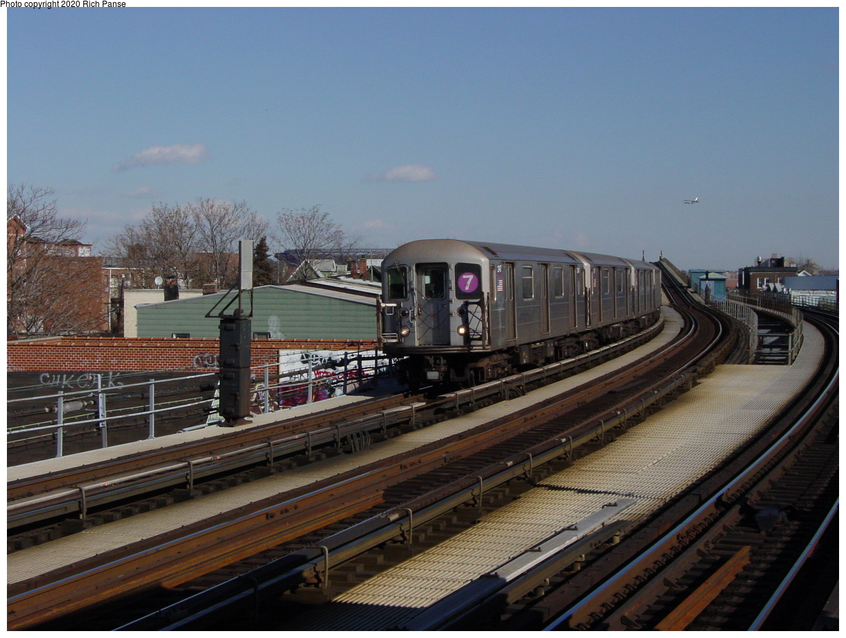 (75k, 820x620)<br><b>Country:</b> United States<br><b>City:</b> New York<br><b>System:</b> New York City Transit<br><b>Line:</b> IRT Flushing Line<br><b>Location:</b> 103rd Street/Corona Plaza <br><b>Route:</b> 7<br><b>Car:</b> R-62A (Bombardier, 1984-1987)  2147 <br><b>Photo by:</b> Richard Panse<br><b>Date:</b> 1/20/2003<br><b>Viewed (this week/total):</b> 1 / 3304