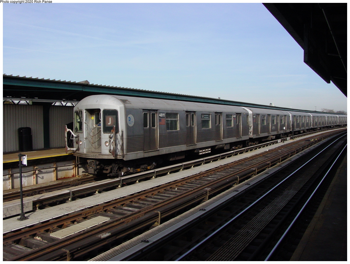 (76k, 820x620)<br><b>Country:</b> United States<br><b>City:</b> New York<br><b>System:</b> New York City Transit<br><b>Line:</b> BMT Nassau Street/Jamaica Line<br><b>Location:</b> 111th Street <br><b>Route:</b> J<br><b>Car:</b> R-42 (St. Louis, 1969-1970)  4811 <br><b>Photo by:</b> Richard Panse<br><b>Date:</b> 2/3/2003<br><b>Viewed (this week/total):</b> 0 / 3284