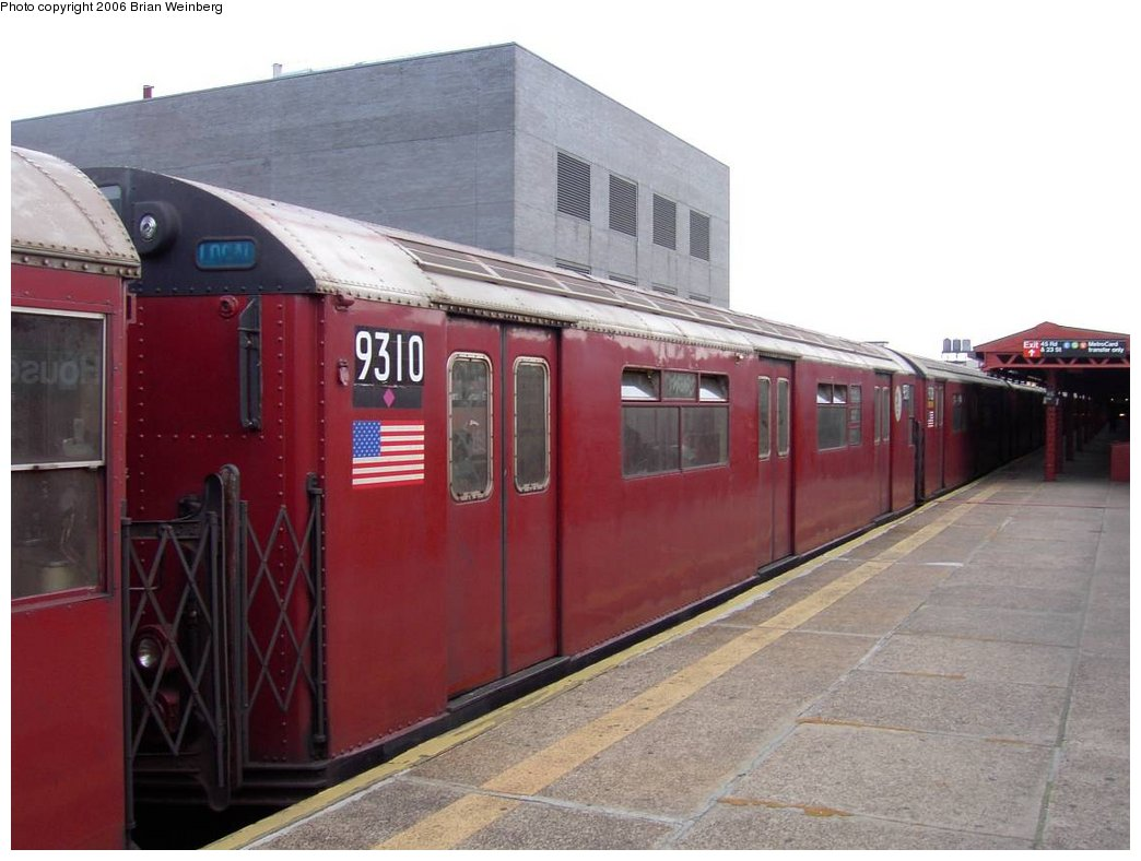(137k, 1044x788)<br><b>Country:</b> United States<br><b>City:</b> New York<br><b>System:</b> New York City Transit<br><b>Line:</b> IRT Flushing Line<br><b>Location:</b> Court House Square/45th Road <br><b>Car:</b> R-33 World's Fair (St. Louis, 1963-64) 9310 <br><b>Photo by:</b> Brian Weinberg<br><b>Date:</b> 6/17/2003<br><b>Viewed (this week/total):</b> 1 / 2907
