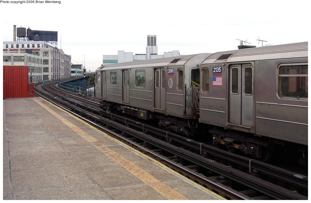 (142k, 1044x680)<br><b>Country:</b> United States<br><b>City:</b> New York<br><b>System:</b> New York City Transit<br><b>Line:</b> IRT Flushing Line<br><b>Location:</b> Court House Square/45th Road <br><b>Car:</b> R-62A (Bombardier, 1984-1987)  2090 <br><b>Photo by:</b> Brian Weinberg<br><b>Date:</b> 6/17/2003<br><b>Viewed (this week/total):</b> 1 / 2230