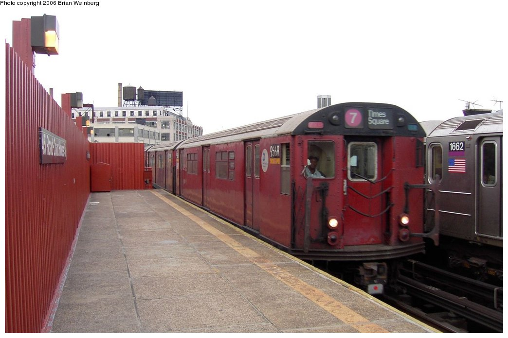 (126k, 1044x696)<br><b>Country:</b> United States<br><b>City:</b> New York<br><b>System:</b> New York City Transit<br><b>Line:</b> IRT Flushing Line<br><b>Location:</b> Court House Square/45th Road <br><b>Car:</b> R-36 World's Fair (St. Louis, 1963-64) 9568 <br><b>Photo by:</b> Brian Weinberg<br><b>Date:</b> 6/17/2003<br><b>Viewed (this week/total):</b> 5 / 3013