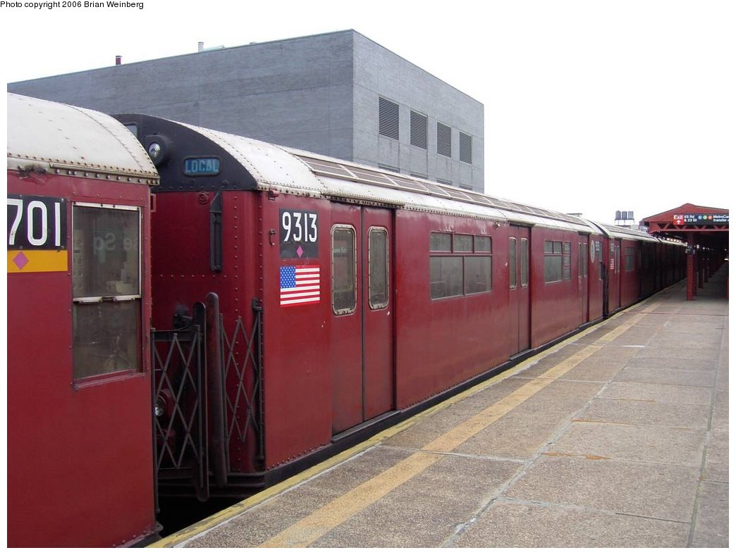 (144k, 1044x788)<br><b>Country:</b> United States<br><b>City:</b> New York<br><b>System:</b> New York City Transit<br><b>Line:</b> IRT Flushing Line<br><b>Location:</b> Court House Square/45th Road <br><b>Car:</b> R-33 World's Fair (St. Louis, 1963-64) 9313 <br><b>Photo by:</b> Brian Weinberg<br><b>Date:</b> 6/17/2003<br><b>Viewed (this week/total):</b> 0 / 3314