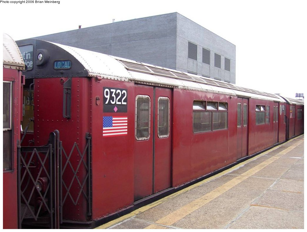 (148k, 1044x788)<br><b>Country:</b> United States<br><b>City:</b> New York<br><b>System:</b> New York City Transit<br><b>Line:</b> IRT Flushing Line<br><b>Location:</b> Court House Square/45th Road <br><b>Car:</b> R-33 World's Fair (St. Louis, 1963-64) 9322 <br><b>Photo by:</b> Brian Weinberg<br><b>Date:</b> 6/17/2003<br><b>Viewed (this week/total):</b> 9 / 1973