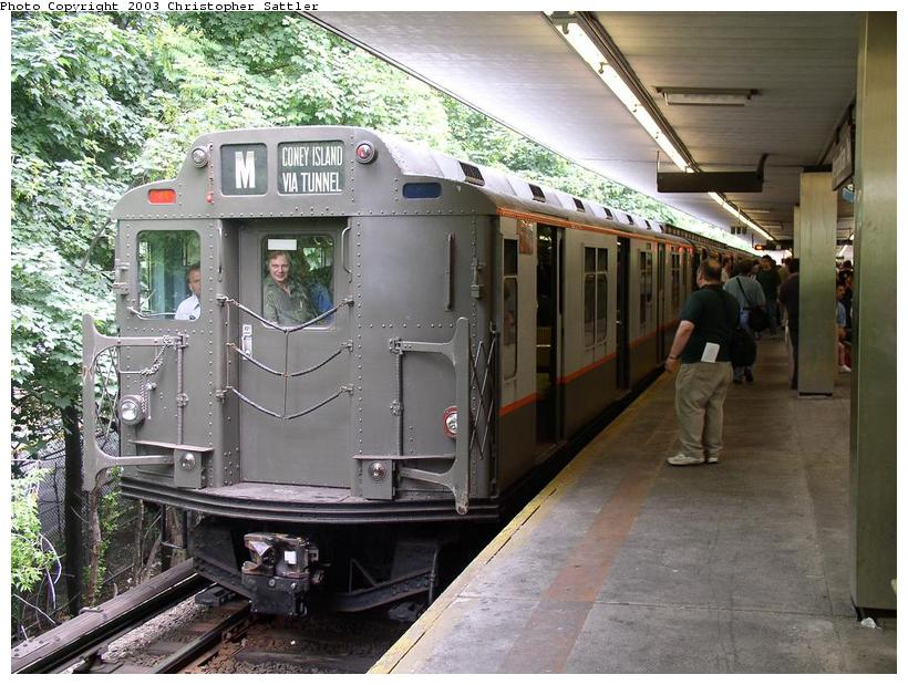 (106k, 820x619)<br><b>Country:</b> United States<br><b>City:</b> New York<br><b>System:</b> New York City Transit<br><b>Line:</b> BMT Myrtle Avenue Line<br><b>Location:</b> Metropolitan Avenue <br><b>Route:</b> Fan Trip<br><b>Car:</b> R-7A (Pullman, 1938)  1575 <br><b>Photo by:</b> Christopher Sattler<br><b>Date:</b> 6/28/2003<br><b>Viewed (this week/total):</b> 1 / 3175