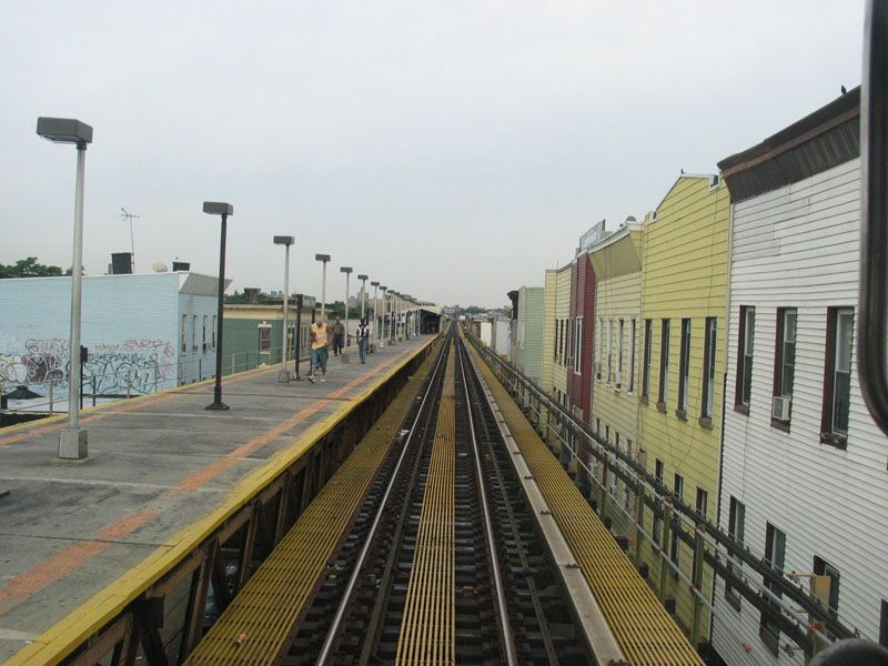 (100k, 800x600)<br><b>Country:</b> United States<br><b>City:</b> New York<br><b>System:</b> New York City Transit<br><b>Line:</b> BMT Nassau Street/Jamaica Line<br><b>Location:</b> Cleveland Street <br><b>Photo by:</b> Robert Pastore<br><b>Date:</b> 4/27/2003<br><b>Viewed (this week/total):</b> 0 / 3019