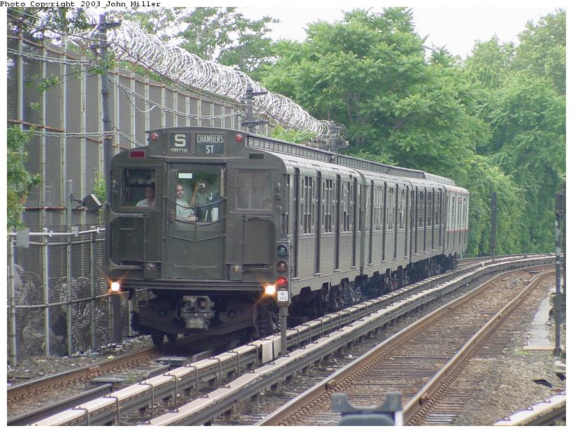 (119k, 820x620)<br><b>Country:</b> United States<br><b>City:</b> New York<br><b>System:</b> New York City Transit<br><b>Line:</b> BMT Myrtle Avenue Line<br><b>Location:</b> Metropolitan Avenue <br><b>Route:</b> Fan Trip<br><b>Car:</b> R-4 (American Car & Foundry, 1932-1933) 484 <br><b>Photo by:</b> John Miller<br><b>Date:</b> 6/28/2003<br><b>Viewed (this week/total):</b> 5 / 4158
