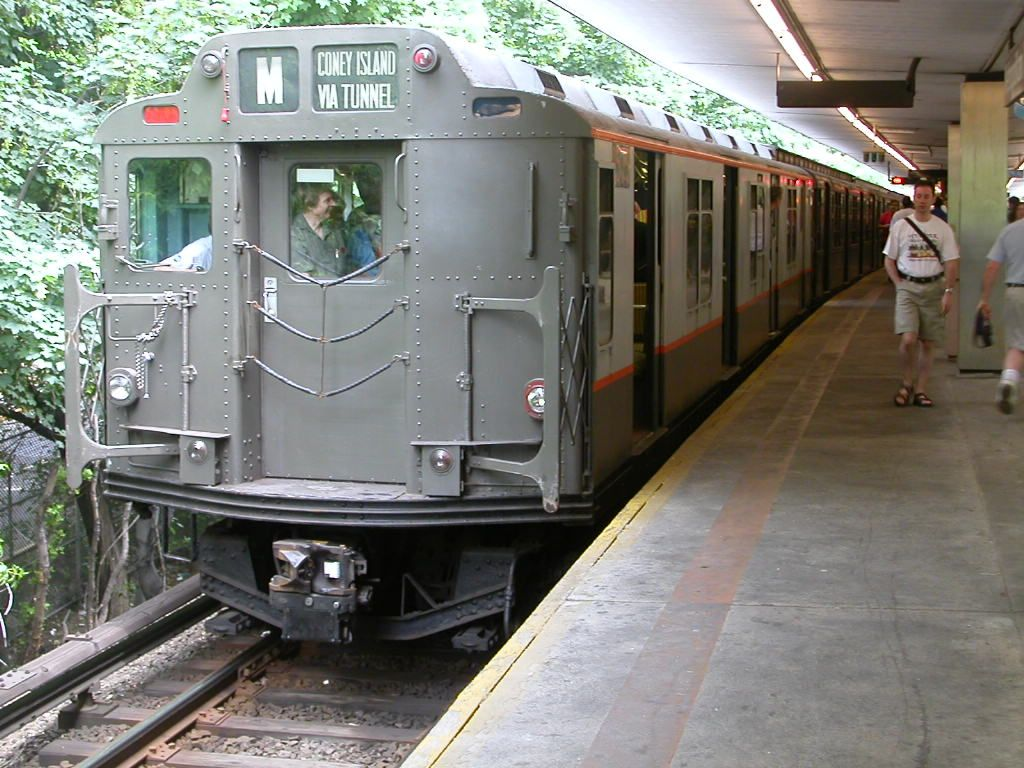 (174k, 1024x768)<br><b>Country:</b> United States<br><b>City:</b> New York<br><b>System:</b> New York City Transit<br><b>Line:</b> BMT Myrtle Avenue Line<br><b>Location:</b> Metropolitan Avenue <br><b>Route:</b> Fan Trip<br><b>Car:</b> R-7A (Pullman, 1938)  1575 <br><b>Photo by:</b> Frank Hicks<br><b>Date:</b> 6/28/2003<br><b>Viewed (this week/total):</b> 2 / 3552