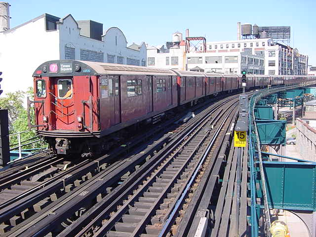 (60k, 640x480)<br><b>Country:</b> United States<br><b>City:</b> New York<br><b>System:</b> New York City Transit<br><b>Line:</b> IRT Flushing Line<br><b>Location:</b> Court House Square/45th Road <br><b>Route:</b> 7<br><b>Car:</b> R-36 World's Fair (St. Louis, 1963-64) 9605 <br><b>Photo by:</b> Salaam Allah<br><b>Date:</b> 9/17/2002<br><b>Viewed (this week/total):</b> 0 / 2424