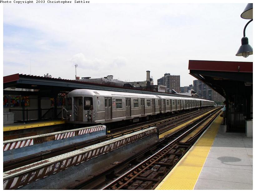 (72k, 820x618)<br><b>Country:</b> United States<br><b>City:</b> New York<br><b>System:</b> New York City Transit<br><b>Line:</b> BMT Nassau Street/Jamaica Line<br><b>Location:</b> Hewes Street <br><b>Route:</b> J<br><b>Car:</b> R-40M (St. Louis, 1969)  4548 <br><b>Photo by:</b> Christopher Sattler<br><b>Date:</b> 7/31/2003<br><b>Viewed (this week/total):</b> 3 / 4434