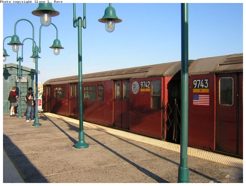 (120k, 820x620)<br><b>Country:</b> United States<br><b>City:</b> New York<br><b>System:</b> New York City Transit<br><b>Line:</b> IRT Flushing Line<br><b>Location:</b> 61st Street/Woodside <br><b>Route:</b> 7<br><b>Car:</b> R-36 World's Fair (St. Louis, 1963-64) 9742 <br><b>Photo by:</b> Glenn L. Rowe<br><b>Date:</b> 8/23/2003<br><b>Viewed (this week/total):</b> 2 / 2166
