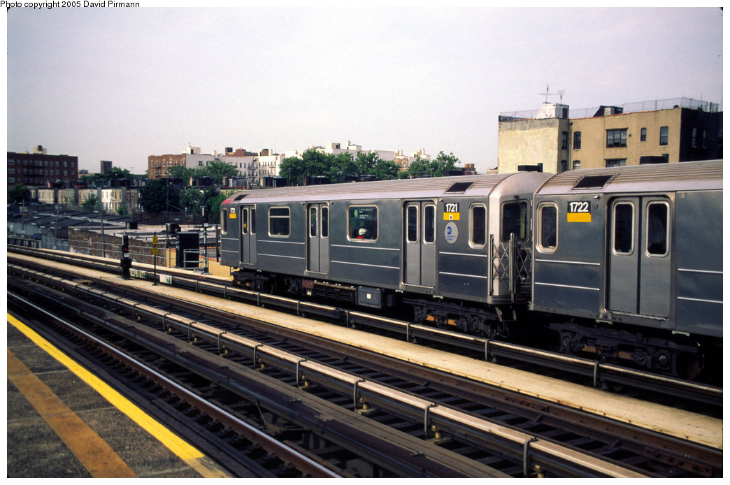 (197k, 1044x694)<br><b>Country:</b> United States<br><b>City:</b> New York<br><b>System:</b> New York City Transit<br><b>Line:</b> IRT Pelham Line<br><b>Location:</b> Whitlock Avenue <br><b>Route:</b> 6<br><b>Car:</b> R-62A (Bombardier, 1984-1987)  1721 <br><b>Photo by:</b> David Pirmann<br><b>Date:</b> 7/21/1999<br><b>Viewed (this week/total):</b> 0 / 3542