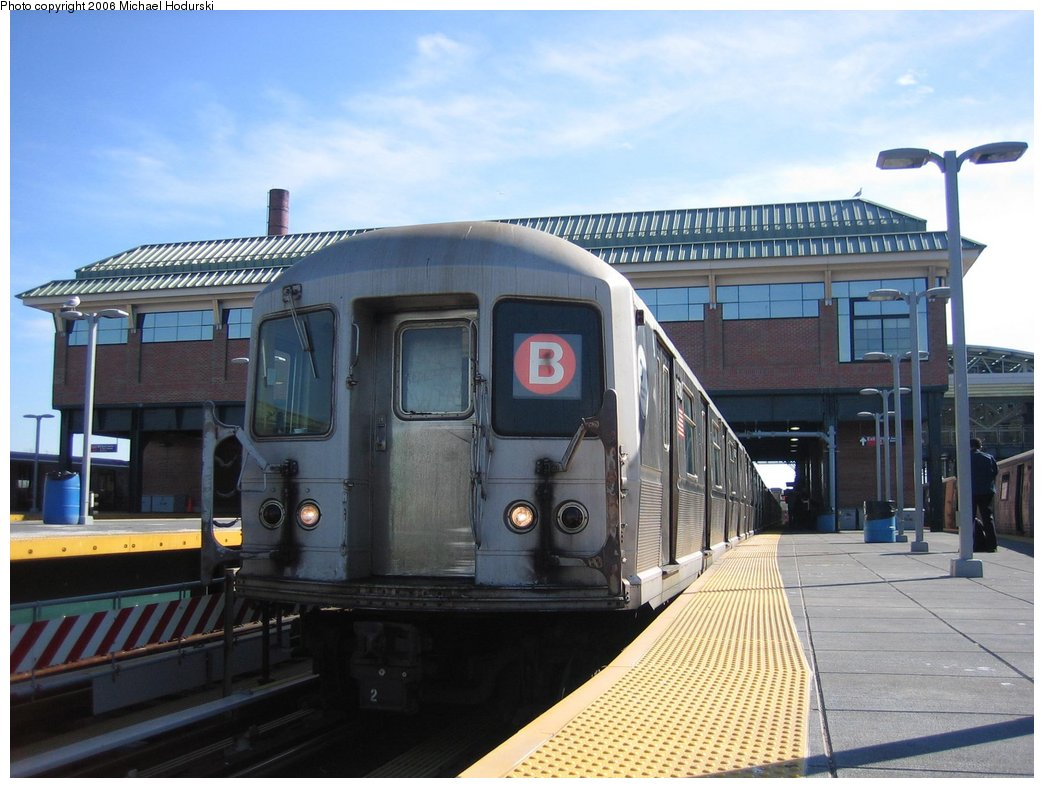 (156k, 1044x788)<br><b>Country:</b> United States<br><b>City:</b> New York<br><b>System:</b> New York City Transit<br><b>Location:</b> Coney Island/Stillwell Avenue<br><b>Route:</b> B<br><b>Car:</b> R-40M (St. Louis, 1969)  4508 <br><b>Photo by:</b> Michael Hodurski<br><b>Date:</b> 3/11/2006<br><b>Notes:</b> B train relaying at Stillwell before heading to car wash.<br><b>Viewed (this week/total):</b> 0 / 4137