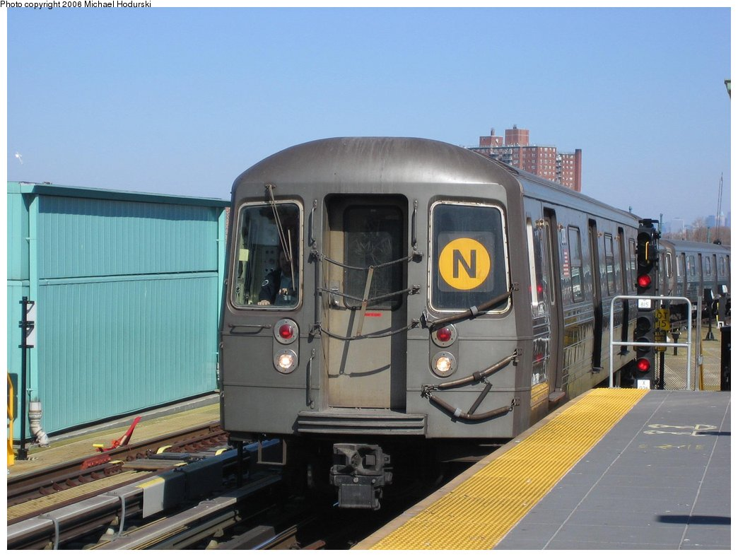 (149k, 1044x788)<br><b>Country:</b> United States<br><b>City:</b> New York<br><b>System:</b> New York City Transit<br><b>Location:</b> Coney Island/Stillwell Avenue<br><b>Route:</b> N<br><b>Car:</b> R-68 (Westinghouse-Amrail, 1986-1988)  2790 <br><b>Photo by:</b> Michael Hodurski<br><b>Date:</b> 3/11/2006<br><b>Viewed (this week/total):</b> 0 / 2422