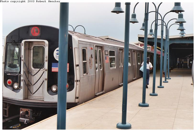 (87k, 820x553)<br><b>Country:</b> United States<br><b>City:</b> New York<br><b>System:</b> New York City Transit<br><b>Line:</b> BMT Canarsie Line<br><b>Location:</b> Broadway Junction <br><b>Route:</b> L<br><b>Car:</b> R-143 (Kawasaki, 2001-2002) 8141 <br><b>Photo by:</b> Robert Mencher<br><b>Date:</b> 9/2003<br><b>Viewed (this week/total):</b> 1 / 3607