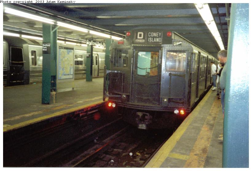 (64k, 820x556)<br><b>Country:</b> United States<br><b>City:</b> New York<br><b>System:</b> New York City Transit<br><b>Line:</b> IND Concourse Line<br><b>Location:</b> Bedford Park Boulevard <br><b>Route:</b> Fan Trip<br><b>Car:</b> R-4 (American Car & Foundry, 1932-1933) 484 <br><b>Photo by:</b> Adam Kaminsky<br><b>Date:</b> 8/24/2003<br><b>Viewed (this week/total):</b> 0 / 3558