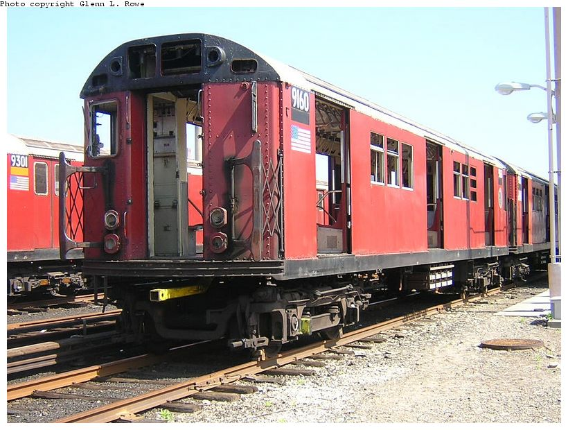 (152k, 820x620)<br><b>Country:</b> United States<br><b>City:</b> New York<br><b>System:</b> New York City Transit<br><b>Location:</b> 207th Street Yard<br><b>Car:</b> R-33 Main Line (St. Louis, 1962-63) 9160 <br><b>Photo by:</b> Glenn L. Rowe<br><b>Date:</b> 5/7/2003<br><b>Viewed (this week/total):</b> 0 / 3581