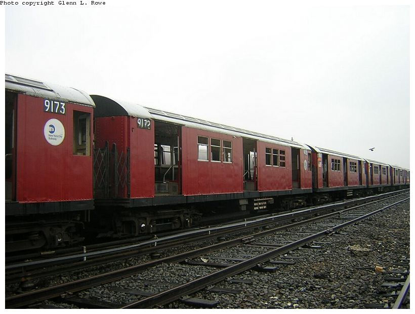 (113k, 820x620)<br><b>Country:</b> United States<br><b>City:</b> New York<br><b>System:</b> New York City Transit<br><b>Location:</b> 207th Street Yard<br><b>Car:</b> R-33 Main Line (St. Louis, 1962-63) 9172 <br><b>Photo by:</b> Glenn L. Rowe<br><b>Date:</b> 5/8/2003<br><b>Viewed (this week/total):</b> 2 / 3075