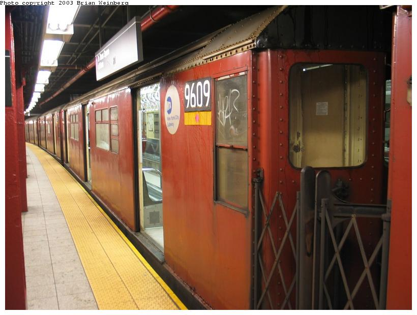 (74k, 820x620)<br><b>Country:</b> United States<br><b>City:</b> New York<br><b>System:</b> New York City Transit<br><b>Line:</b> IRT Flushing Line<br><b>Location:</b> 5th Avenue <br><b>Car:</b> R-36 World's Fair (St. Louis, 1963-64) 9609 <br><b>Photo by:</b> Brian Weinberg<br><b>Date:</b> 8/1/2003<br><b>Viewed (this week/total):</b> 3 / 4451