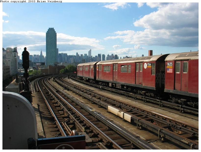 (86k, 820x620)<br><b>Country:</b> United States<br><b>City:</b> New York<br><b>System:</b> New York City Transit<br><b>Line:</b> IRT Flushing Line<br><b>Location:</b> 33rd Street/Rawson Street <br><b>Car:</b> R-36 World's Fair (St. Louis, 1963-64) 9564 <br><b>Photo by:</b> Brian Weinberg<br><b>Date:</b> 9/5/2003<br><b>Viewed (this week/total):</b> 0 / 6501