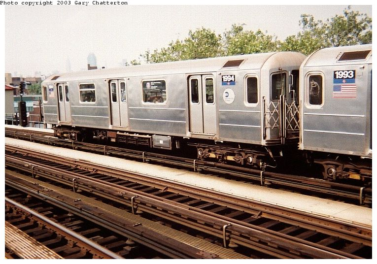 (112k, 765x536)<br><b>Country:</b> United States<br><b>City:</b> New York<br><b>System:</b> New York City Transit<br><b>Line:</b> IRT Flushing Line<br><b>Location:</b> 52nd Street/Lincoln Avenue <br><b>Route:</b> 7<br><b>Car:</b> R-62A (Bombardier, 1984-1987)  1994 <br><b>Photo by:</b> Gary Chatterton<br><b>Date:</b> 9/20/2003<br><b>Viewed (this week/total):</b> 1 / 2347