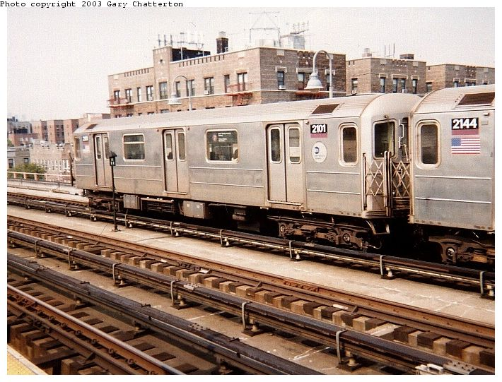 (104k, 710x541)<br><b>Country:</b> United States<br><b>City:</b> New York<br><b>System:</b> New York City Transit<br><b>Line:</b> IRT Flushing Line<br><b>Location:</b> 46th Street/Bliss Street <br><b>Route:</b> 7<br><b>Car:</b> R-62A (Bombardier, 1984-1987)  2101 <br><b>Photo by:</b> Gary Chatterton<br><b>Date:</b> 9/20/2003<br><b>Viewed (this week/total):</b> 3 / 2140