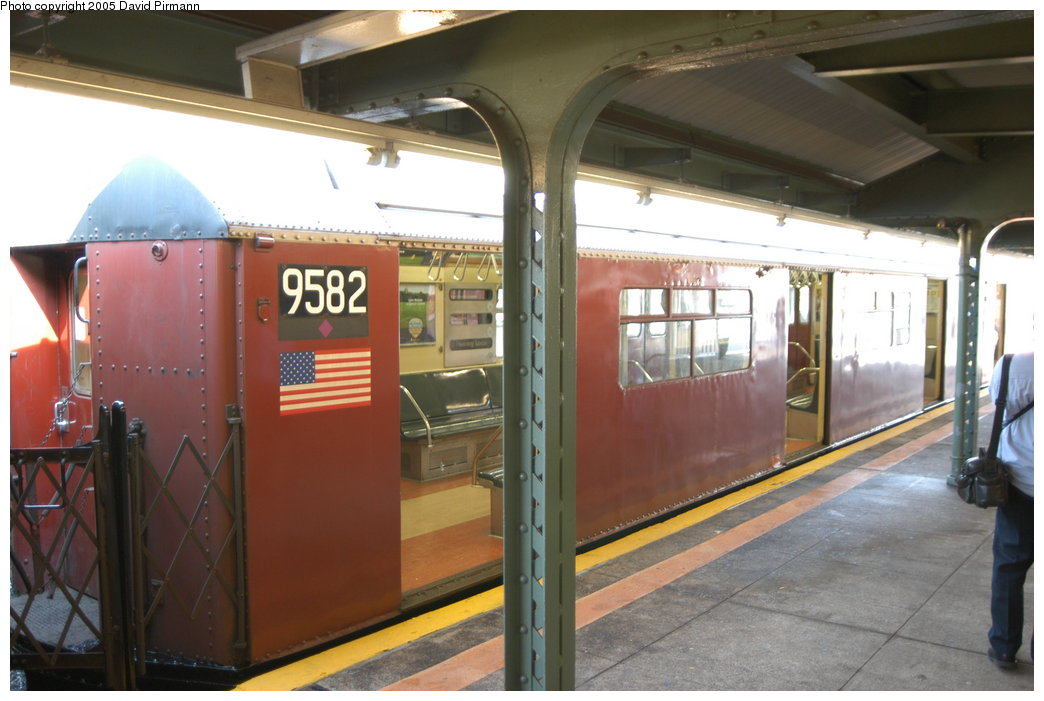 (186k, 1044x701)<br><b>Country:</b> United States<br><b>City:</b> New York<br><b>System:</b> New York City Transit<br><b>Line:</b> IRT Flushing Line<br><b>Location:</b> Willets Point/Mets (fmr. Shea Stadium) <br><b>Route:</b> 7<br><b>Car:</b> R-36 World's Fair (St. Louis, 1963-64) 9582 <br><b>Photo by:</b> David Pirmann<br><b>Date:</b> 11/3/2003<br><b>Notes:</b> Last revenue redbird train<br><b>Viewed (this week/total):</b> 2 / 2802