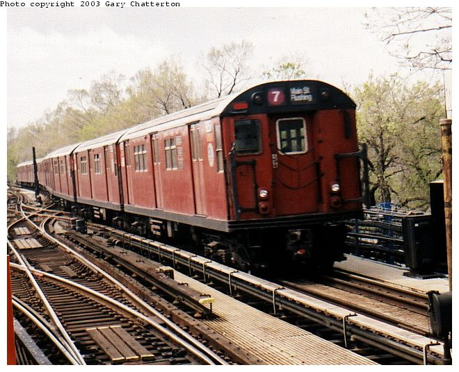(90k, 660x536)<br><b>Country:</b> United States<br><b>City:</b> New York<br><b>System:</b> New York City Transit<br><b>Line:</b> IRT Flushing Line<br><b>Location:</b> Willets Point/Mets (fmr. Shea Stadium) <br><b>Route:</b> 7<br><b>Car:</b> R-33 Main Line (St. Louis, 1962-63) 9257 <br><b>Photo by:</b> Gary Chatterton<br><b>Date:</b> 4/13/2002<br><b>Viewed (this week/total):</b> 0 / 3933