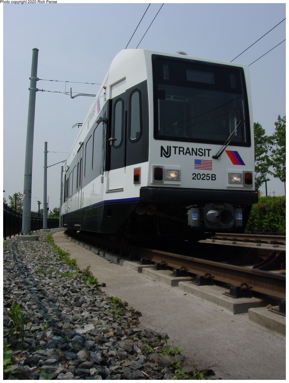 (72k, 620x820)<br><b>Country:</b> United States<br><b>City:</b> Jersey City, NJ<br><b>System:</b> Hudson Bergen Light Rail<br><b>Location:</b> Liberty State Park <br><b>Car:</b> NJT-HBLR LRV (Kinki-Sharyo, 1998-99)  2025 <br><b>Photo by:</b> Richard Panse<br><b>Date:</b> 6/5/2002<br><b>Viewed (this week/total):</b> 1 / 2483