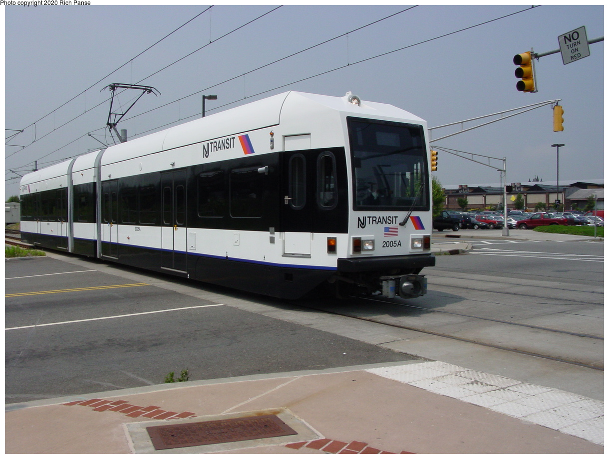 (63k, 820x620)<br><b>Country:</b> United States<br><b>City:</b> Jersey City, NJ<br><b>System:</b> Hudson Bergen Light Rail<br><b>Location:</b> Liberty State Park <br><b>Car:</b> NJT-HBLR LRV (Kinki-Sharyo, 1998-99)  2005 <br><b>Photo by:</b> Richard Panse<br><b>Date:</b> 6/5/2002<br><b>Viewed (this week/total):</b> 2 / 2670