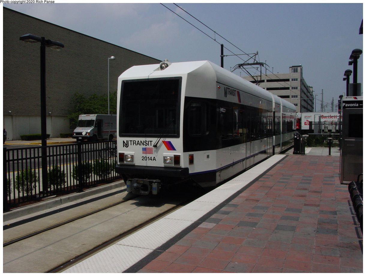 (67k, 820x620)<br><b>Country:</b> United States<br><b>City:</b> Jersey City, NJ<br><b>System:</b> Hudson Bergen Light Rail<br><b>Location:</b> Pavonia/Newport <br><b>Car:</b> NJT-HBLR LRV (Kinki-Sharyo, 1998-99)  2014 <br><b>Photo by:</b> Richard Panse<br><b>Date:</b> 6/5/2002<br><b>Viewed (this week/total):</b> 0 / 2286