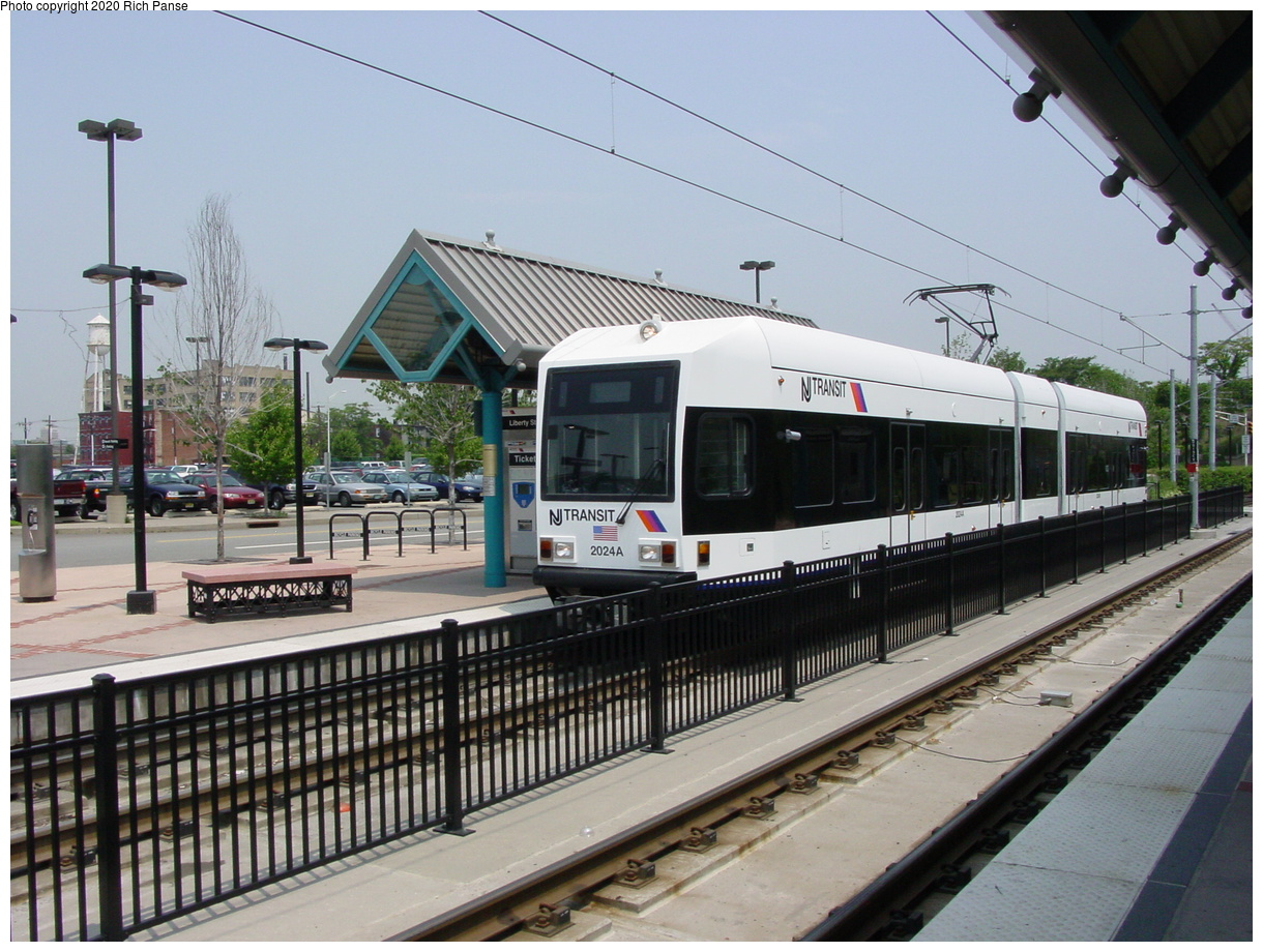 (88k, 820x620)<br><b>Country:</b> United States<br><b>City:</b> Jersey City, NJ<br><b>System:</b> Hudson Bergen Light Rail<br><b>Location:</b> Liberty State Park <br><b>Car:</b> NJT-HBLR LRV (Kinki-Sharyo, 1998-99)  2024 <br><b>Photo by:</b> Richard Panse<br><b>Date:</b> 6/5/2002<br><b>Viewed (this week/total):</b> 1 / 2534