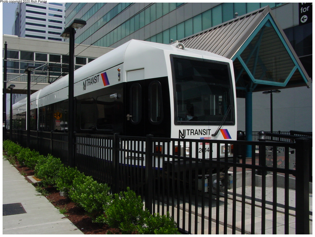 (88k, 820x620)<br><b>Country:</b> United States<br><b>City:</b> Jersey City, NJ<br><b>System:</b> Hudson Bergen Light Rail<br><b>Location:</b> Pavonia/Newport <br><b>Car:</b> NJT-HBLR LRV (Kinki-Sharyo, 1998-99)  2014 <br><b>Photo by:</b> Richard Panse<br><b>Date:</b> 6/5/2002<br><b>Viewed (this week/total):</b> 0 / 2580
