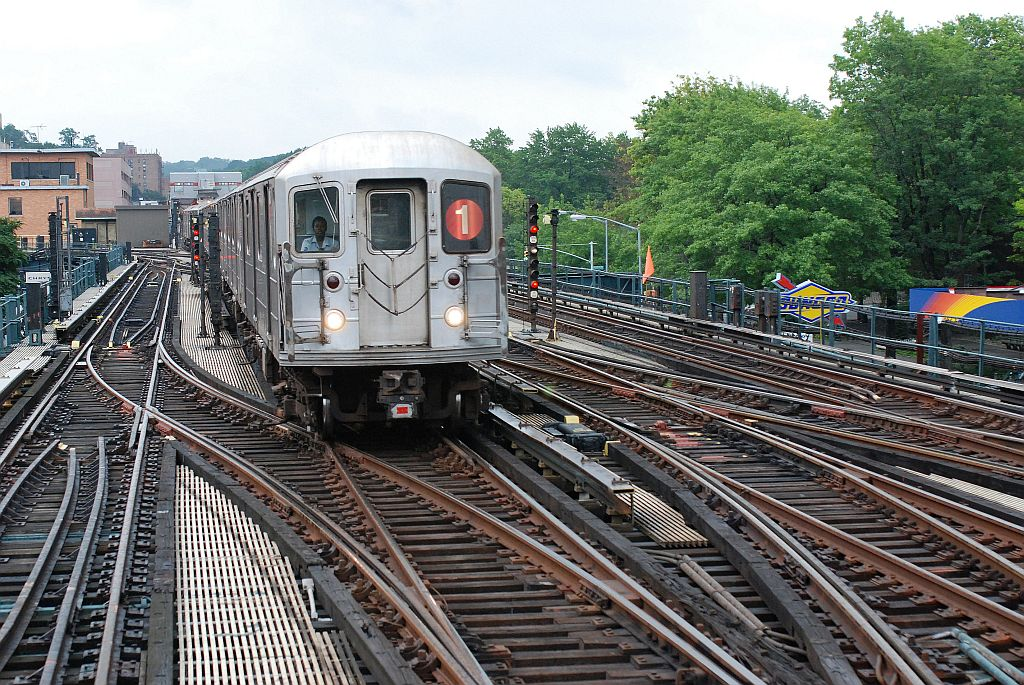 (223k, 1024x685)<br><b>Country:</b> United States<br><b>City:</b> New York<br><b>System:</b> New York City Transit<br><b>Line:</b> IRT West Side Line<br><b>Location:</b> 238th Street <br><b>Route:</b> 1<br><b>Car:</b> R-62A (Bombardier, 1984-1987)   <br><b>Photo by:</b> Richard Chase<br><b>Date:</b> 8/2/2009<br><b>Viewed (this week/total):</b> 4 / 1065