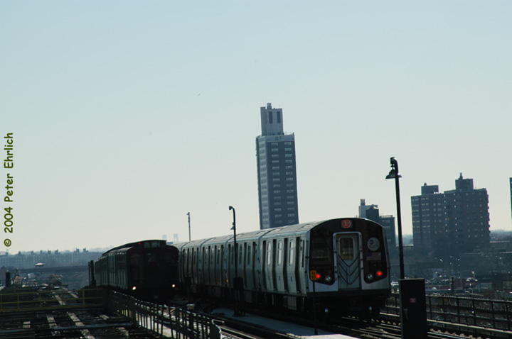(72k, 720x478)<br><b>Country:</b> United States<br><b>City:</b> New York<br><b>System:</b> New York City Transit<br><b>Line:</b> BMT Canarsie Line<br><b>Location:</b> Atlantic Avenue <br><b>Route:</b> Fan Trip<br><b>Car:</b> R-4 (American Car & Foundry, 1932-1933) 484 <br><b>Photo by:</b> Peter Ehrlich<br><b>Date:</b> 12/28/2003<br><b>Viewed (this week/total):</b> 1 / 2946